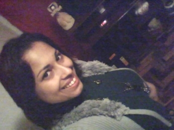Aline Oliveira em tarde de festa no Green Hill - Tribuna